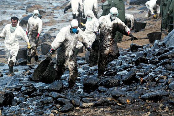 contaminación agua con contaminantes quimicos